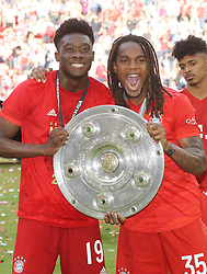 18.05.2019, Allianz Arena, Muenchen, GER, 1. FBL, FC Bayern Muenchen vs Eintracht Frankfurt, 34. Runde, Meisterfeier nach Spielende, im Bild Alphonso Davies und Renato Sanches // during the celebration after winning the championship of German Bundesliga season 2018/2019. Allianz Arena in Munich, Germany on 2019/05/18. EXPA Pictures © 2019, PhotoCredit: EXPA/ SM<br /> <br /> *****ATTENTION - OUT of GER*****