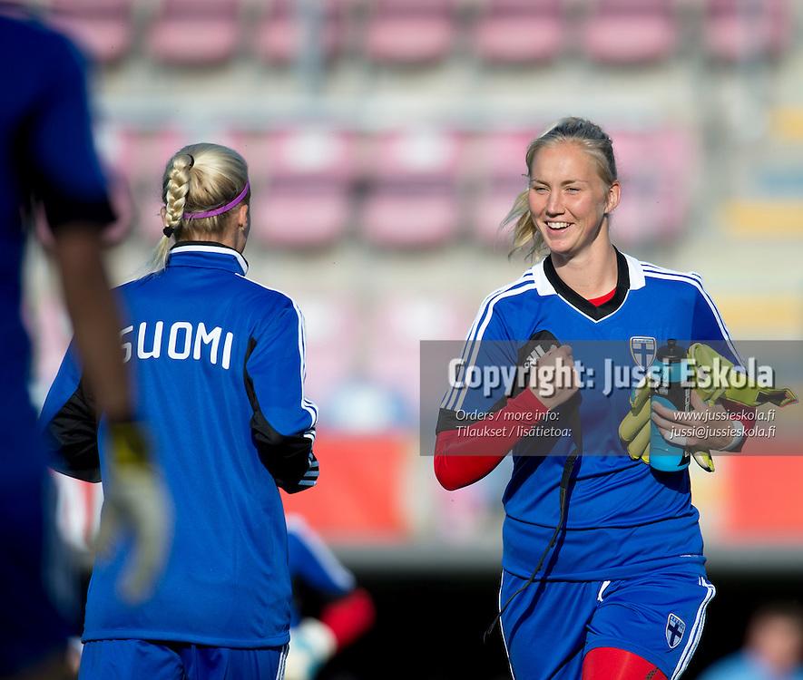 Siiri Välimaa. Naisten maajoukkueen harjoitukset. Halmstad, Ruotsi. Naisten EM-turnaus. 9.7.2013. Photo: Jussi Eskola