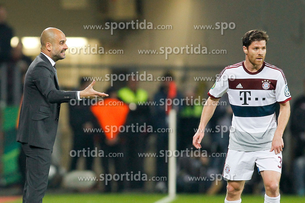 08.04.2015, BayArena, Leverkusen, GER, DFB Pokal, Bayer 04 Leverkusen vs FC Bayern Muenchen, Viertelfinale, im Bild Trainer Pep Guardiola (FC Bayern Muenchen) im Gespraech mit Xabi Alonso (FC Bayern Muenchen #3) // during the German DFB Pokal quarter final match between Bayer 04 Leverkusen and FC Bayern Munich at the BayArena in Leverkusen, Germany on 2015/04/08. EXPA Pictures &copy; 2015, PhotoCredit: EXPA/ Eibner-Pressefoto/ Sch&uuml;ler<br /> <br /> *****ATTENTION - OUT of GER*****
