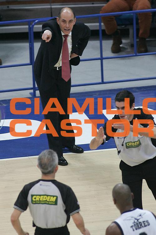 DESCRIZIONE : Bologna Lega A1 2007-08 Upim Fortitudo Bologna Armani Jeans Milano<br /> GIOCATORE : Attilio Caja Arbitro<br /> SQUADRA : Armani Jeans Milano<br /> EVENTO : Campionato Lega A1 2007-2008 <br /> GARA : Upim Fortitudo Bologna Armani Jeans Milano<br /> DATA : 30/12/2007 <br /> CATEGORIA : Delusione<br /> SPORT : Pallacanestro <br /> AUTORE : Agenzia Ciamillo-Castoria/M.Minarelli