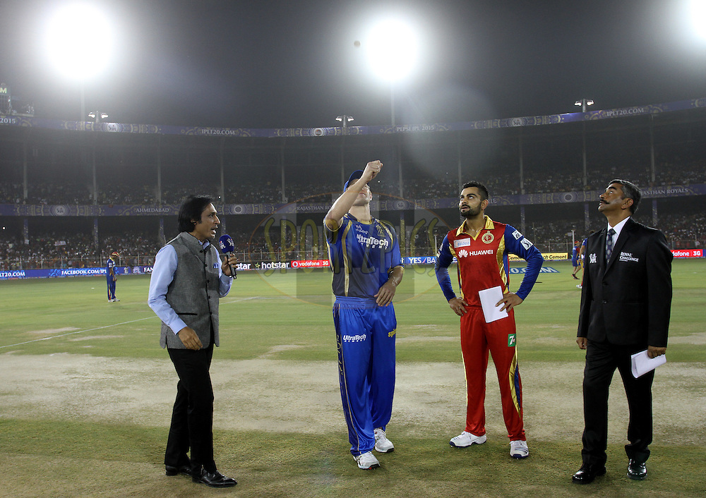 Rajasthan Royals captain Shane Watson and Royal Challengers Bangalore captain Virat Kohli during the toss of the match 22 of the Pepsi IPL 2015 (Indian Premier League) between The Rajasthan Royals and The Royal Challengers Bangalore held at the Sardar Patel Stadium in Ahmedabad , India on the 24th April 2015.<br /> <br /> Photo by:  Vipin Pawar / SPORTZPICS / IPL