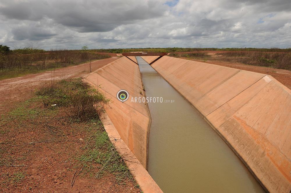 Distrito de irrigacao Tabuleiros Litoraneos do Piaui. // District irrigation Tabuleiros Litoraneos of Piaui. Foto: Candido Neto/Argosfoto - Parnaiba - Pi, Brasil - 2015