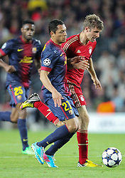 01.05.2013, Camp Nou, Barcelona, ESP, UEFA CL, FC Barcelona vs FC Bayern Muenchen, Halbfinale, Rueckspiel, im Bild Zweikampf zwischen links ADRIANO #21 (FC Barcelona) und Thomas MUELLER #25 (FC Bayern Muenchen), // during the UEFA Champions League 2nd Leg Semifinal Match between Barcelona FC and FC Bayern Munich at the Camp Nou, Barcelona, Spain on 2013/05/01. EXPA Pictures © 2013, PhotoCredit: EXPA/ Eibner/ Christian Kolbert..***** ATTENTION - OUT OF GER *****
