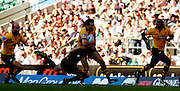 20040904 London Wasps v Saracens. Zurich Premiership..Tom Voyce running on the wing. supported by left Alex King and right Ayoola Erinle..Photo  Peter Spurrier.email images@intersport-images Mob +447973819551.