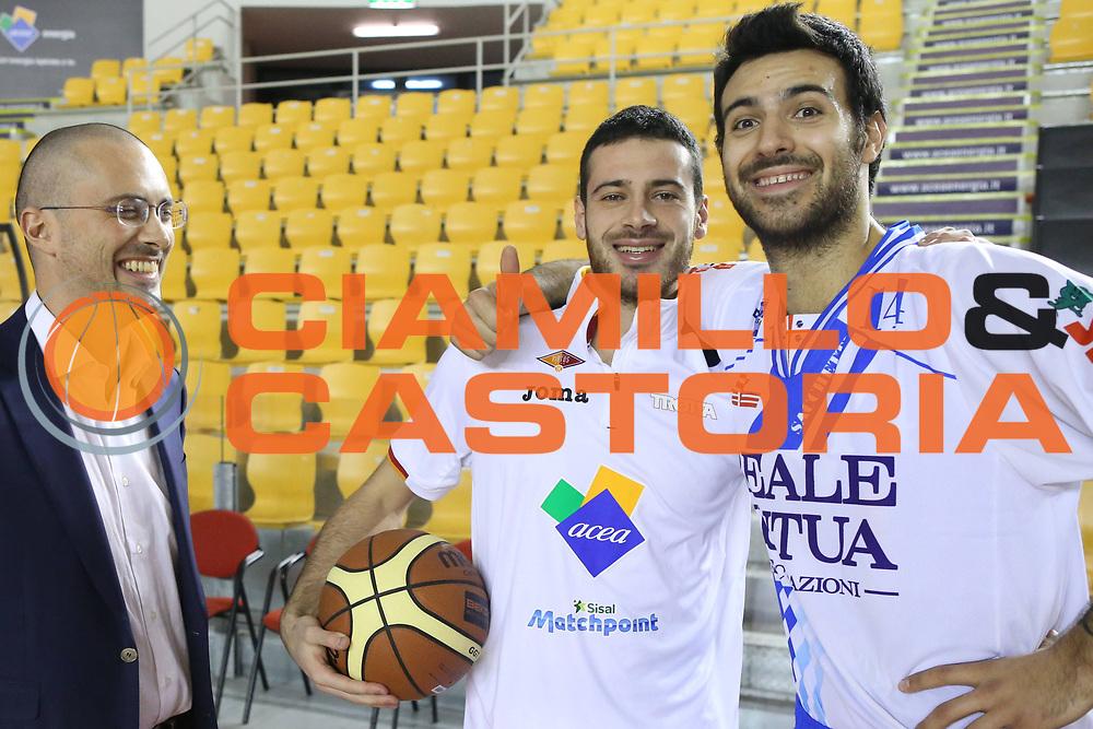 DESCRIZIONE : Roma Campionato Lega A 2013-14 Acea Virtus Roma Banco di Sardegna Sassari<br /> GIOCATORE : Sacchetti Brian Lorenzo D'Ercole Massimo Maffezzoli<br /> CATEGORIA : pre game<br /> SQUADRA : Banco di Sardegna Sassari<br /> EVENTO : Campionato Lega A 2013-2014<br /> GARA : Acea Virtus Roma Banco di Sardegna Sassari<br /> DATA : 26/12/2013<br /> SPORT : Pallacanestro<br /> AUTORE : Agenzia Ciamillo-Castoria/M.Simoni<br /> Galleria : Lega Basket A 2013-2014<br /> Fotonotizia : Roma Campionato Lega A 2013-14 Acea Virtus Roma Banco di Sardegna Sassari <br /> Predefinita :