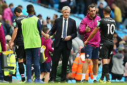 Crystal Palace manager Roy Hodgson shakes hands with his players at full time - Mandatory by-line: Matt McNulty/JMP - 23/09/2017 - FOOTBALL - Etihad Stadium - Manchester, England - Manchester City v Crystal Palace - Premier League