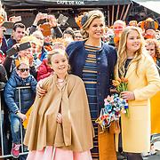 NLD/Tilburg/20170427- Koningsdag 2017, prinses Amalia, Maxima en Ariane