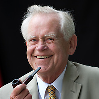 EDINBURGH, SCOTLAND - AUGUST13. Historian, broadcaster and linguist  Magnus Magnusson  poses during a portrait session held at Edinburgh Book Festival on August 13, 2006  in Edinburgh, Scotland. (Photo by Marco Secchi/Getty Images)