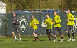 13.10.2010, Trainingsgelaende Werder Bremen, Bremen, GER, 1. FBL, Training Werder Bremen, im Bild Yann-Benjamin Kugel (Fitnesstrainer Werder Bremen), Marko Marin (Bremen #10), Daniel Jensen (Bremen #20), Tim Wiese (Bremen #1), Per Mertesacker (Bremen #29)   EXPA Pictures © 2010, PhotoCredit: EXPA/ nph/  Frisch+++++ ATTENTION - OUT OF GER +++++