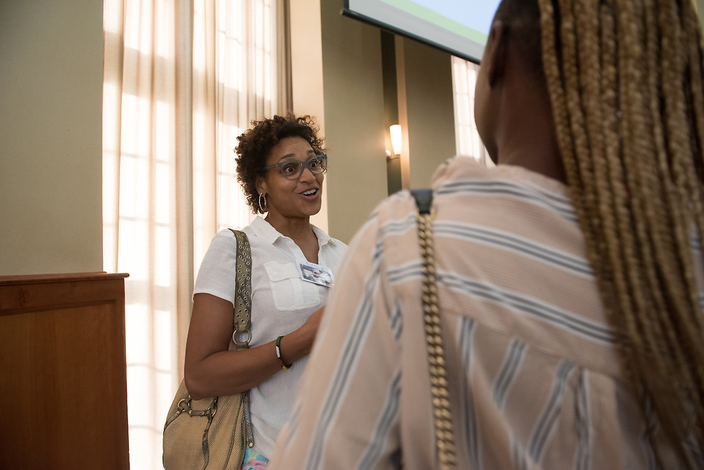 Allison Hunter meets her mentee Dejae Wilkins for the first time during the Women's Mentoring Meet and Greet event on Sept. 4, 2018 in Walter Rotunda. Photo by Hannah Ruhoff
