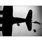 A CIA plane drops supplies to the Nicaragua Contra soldiers. ©1987 Ed Hille / Philadelphia Inquirer