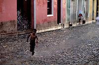 Cuba - Province de Sancti Spiritus - Trinidad - Patrimoine mondial de l'UNESCO  - jour de pluie. // Cuba. Region of Sancti Spiritus. Trinidad. World heritage of UNESCO. Rain.