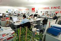 "03 AUG 2009, BERLIN/GERMANY:<br /> Wahlkapfzentrale / Kampa der SPD fuer die Bundestagswahl 2009 ""Nordkurve"", Willy-Brandt-Haus<br /> IMAGE: 20090803-01-030<br /> KEYWORDS: Wahlkampf. Buero"