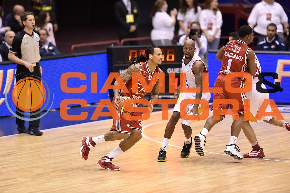 DESCRIZIONE : Milano Lega A 2014-15 <br /> EA7 Olimpia Milano - Acea Virtus Roma <br /> GIOCATORE : Dave Moss Joe Ragland<br /> CATEGORIA : palleggio controcampo blocco <br /> SQUADRA : EA7 Olimpia Milano<br /> EVENTO : Campionato Lega A 2014-2015 <br /> GARA : EA7 Olimpia Milano - Acea Virtus Roma<br /> DATA : 12/04/2015<br /> SPORT : Pallacanestro <br /> AUTORE : Agenzia Ciamillo-Castoria/GiulioCiamillo<br /> Galleria : Lega Basket A 2014-2015  <br /> Fotonotizia : Milano Lega A 2014-15 EA7 Olimpia Milano - Acea Virtus Roma