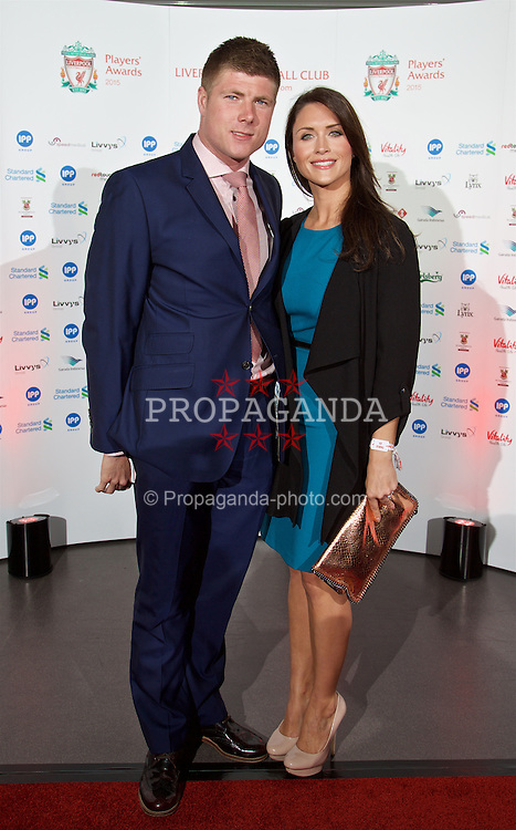 LIVERPOOL, ENGLAND - Tuesday, May 19, 2015: Former Liverpool player Neil Mellor and wife Becky arrive on the red carpet for the Liverpool FC Players' Awards Dinner 2015 at the Liverpool Arena. (Pic by David Rawcliffe/Propaganda)