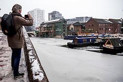 04-03-2018 GBR: World Indoor Championships Athletics day 4, Birmingham<br /> Birmingham, The Malt House. Birmingham is een stad (city) en district in het Engelse graafschap West Midlands in het Verenigd Koninkrijk. De stad is de op een na grootste van het land. Media journalist Willem Held