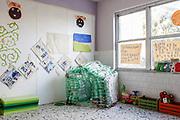 """21 Novembre 2017, Scampia Italia - La stanza di ricreazione per bambini all'interno dello spazio donna della onlus """"We World"""" nel quartiere Scampia alla periferia di Napoli."""