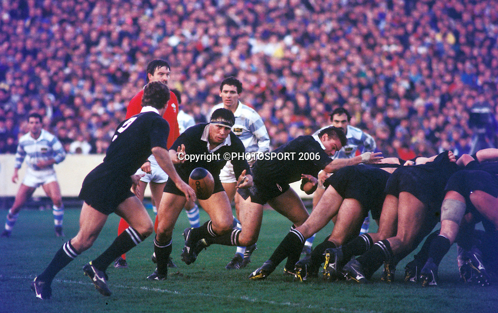 All Black No.8 Wayne Shelford runs with the ball at the 1st international rugby union test between the All Blacks and Argentina at Carisbrook, Dunedin New Zealand, on Saturday 15 July, 1989. The All Blacks won the match 60-9. Photo: Bruce Jarvis/PHOTOSPORT<br />
