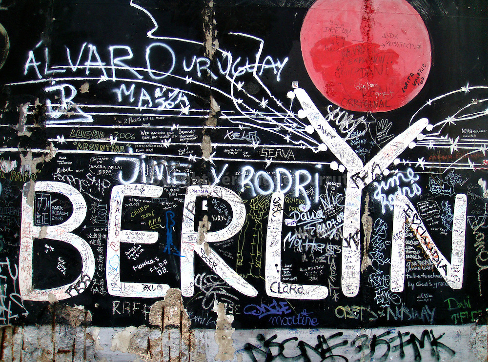 In 1989, the Berlin wall was over : it was the end of more than 40 years of cold war. The longer portion of the wall that was not destoyed, a 1.3km-long section near the center of Berlin, was converted in 1990 into 'The Berlin Wall East Side Gallery', the largest open air gallery in the world. Approximately 106 paintings by artists from 22 countries covered this memorial for freedom. In 1992, it was converted into a historical monument. But, time and pollution, and more over, graffers, are acting, and 20 years after, the work is covered by thousands of graffiti. This portion and the wall 'Berlyn' was painted by Gerhard Lahr.
