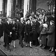 Ireland mourns President Kennedy. Thousands attended requiem Masses all over the country and businesses, schools and universities were closed. .26.11.1963