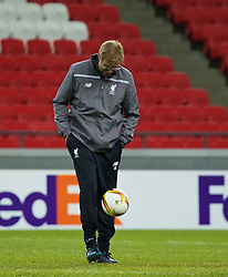 KAZAN, RUSSIA - Wednesday, November 4, 2015: Liverpool's manager Jürgen Klopp juggles the ball during a training session at the Kazan Arena ahead of the UEFA Europa League Group Stage Group B match against FC Rubin Kazan. (Pic by Oleg Nikishin/Propaganda)