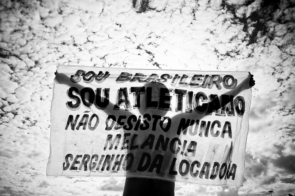 Belo Horizonte_MG,  03 de maio de 2009...Projeto / A Massa...Torcedores atleticanos em classico contra o Cruzeiro, valido pelo jogo de volta da final do Campeonato Mineiro 2009...Atletico-MG 1 x 1 Cruzeiro..Foto: NIDIN SANCHES / NITRO