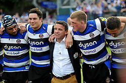 Bath Rugby Head Coach Mike Ford speaks to his team after the match - Photo mandatory by-line: Patrick Khachfe/JMP - Mobile: 07966 386802 23/05/2015 - SPORT - RUGBY UNION - Bath - The Recreation Ground - Bath Rugby v Leicester Tigers - Aviva Premiership Semi-Final