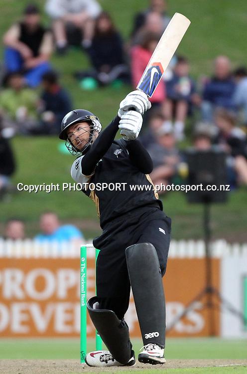 New Zealand batsman Peter McGlashan hits out. New Zealand Black Caps v Pakistan, Match 2. Twenty 20 Cricket match at Seddon Park, Hamilton, New Zealand. Tuesday 28 December 2010. Photo: Andrew Cornaga/photosport.co.nz