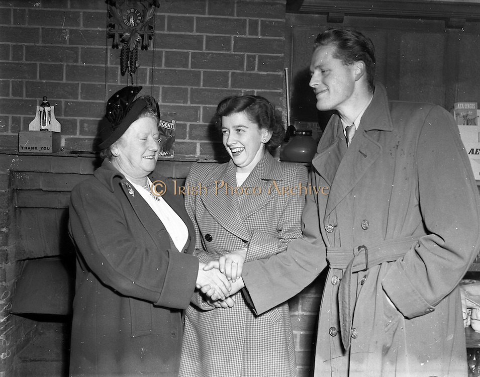 12/11/1952<br /> 11/12/1952<br /> 12 November 1952<br /> Jack Fitzgerald, (Waterford F.A.I.) engagement to Miss A. Phillips at the Swiss chalet Merrion Row, Dublin? Jack meets the mother in law