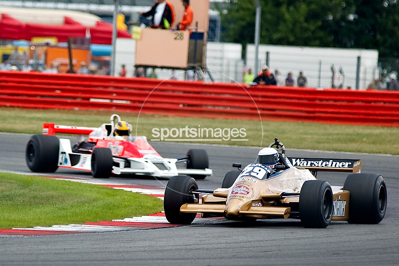 Car No 29 heads around Luffield. Silverstone Classic - 66-85 F1- 25/7/10.