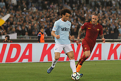 April 15, 2018 - Rome, Lazio, Italy - Felipe Anderson versus Radja Nainngolan.at Stadio Olimpico of Roma. Lazio and Roma tied for 0-0 the ''derby della Capitale'' of Italian Serie A. (Credit Image: © Paolo Pizzi/Pacific Press via ZUMA Wire)