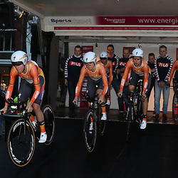 06-04-2016: Wielrennen: Energiewachttour vrouwen: Groningen <br /> GRONINGEN (NED) wielrennen<br /> De zesde editie van de Energiewachttour voor vrouwen ging van start met een ploegentijdrit met start en finish op de Vismarkt. De ploegentijdrit werd gewonnen door het Boels-Dolmans cyclingteam