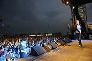 100 % NL strandfeest Hoek van Holland FRONTSTAGE bij Beachclub Royal .<br /> <br /> Op de foto:<br /> <br />  Jeroen van der Boom