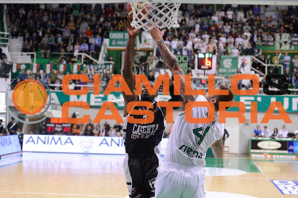 DESCRIZIONE : Siena Lega A 2012-13 Montepaschi Siena Juve Caserta<br /> GIOCATORE : Akindele Jeleel<br /> CATEGORIA : tiro tecnica<br /> SQUADRA : Juve Caserta<br /> EVENTO : Campionato Lega A 2012-2013 <br /> GARA : Montepaschi Siena Juve Caserta<br /> DATA : 18/11/2012<br /> SPORT : Pallacanestro <br /> AUTORE : Agenzia Ciamillo-Castoria/GiulioCiamillo<br /> Galleria : Lega Basket A 2012-2013  <br /> Fotonotizia : Siena Lega A 2012-13 Montepaschi Siena Juve Caserta<br /> Predefinita :
