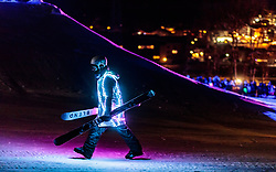 05.02.2018, Lechnerberg, Kaprun, AUT, Nacht der Ballone, im Bild Freestyle Skier mit LED Beleuchtung // Freestyle skis with LED lighting during the International Balloonalps Week, Lechnerberg, Kaprun, Austria on 2018/02/05. EXPA Pictures © 2018, PhotoCredit: EXPA/ JFK