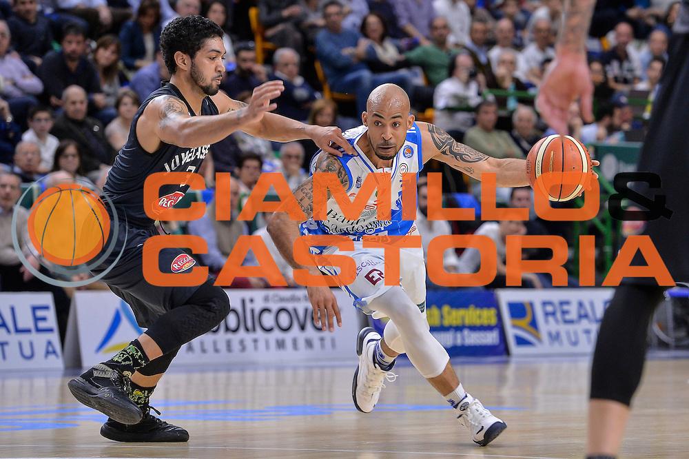 DESCRIZIONE : Beko Legabasket Serie A 2015- 2016 Dinamo Banco di Sardegna Sassari - Pasta Reggia Juve Caserta<br /> GIOCATORE : David Logan<br /> CATEGORIA : Palleggio<br /> SQUADRA : Dinamo Banco di Sardegna Sassari<br /> EVENTO : Beko Legabasket Serie A 2015-2016<br /> GARA : Dinamo Banco di Sardegna Sassari - Pasta Reggia Juve Caserta<br /> DATA : 03/04/2016<br /> SPORT : Pallacanestro <br /> AUTORE : Agenzia Ciamillo-Castoria/L.Canu