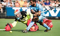 WAALWIJK -  RABO SUPER SERIE . keeper Pirmin Blaak (Ned)   tijdens shoot outs na de hockeyinterland heren  Nederland-India (3-4),  ter voorbereiding van het EK,  dat vrijdag 18/8 begint.   COPYRIGHT KOEN SUYK