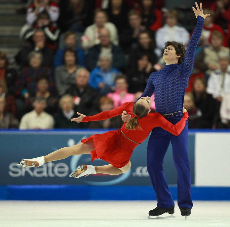 20101031 -- Kingston, Ontario -- Ice dance gold medalists Vanessa Crone and Paul Poirier of Canada skate their free dance program at Skate Canada International in Kingston, Ontario, Canada, October 31, 2010. <br /> AFP PHOTO/Geoff Robins