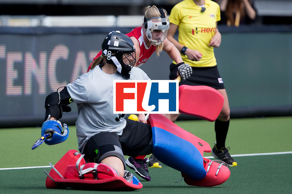 THE HAGUE - Rabobank Hockey World Cup 2014 - 2014-06-01 - WOMEN - England - USA - keeper Jackie Kintzer is geklopt.<br /> Copyright: Willem Vernes