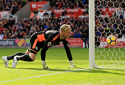 Kasper Schmeichel of Leicester City watches as a shot hits the side netting - Mandatory by-line: Paul Roberts/JMP - 04/11/2017 - FOOTBALL - Bet365 Stadium - Stoke-on-Trent, England - Stoke City v Leicester City - Premier League