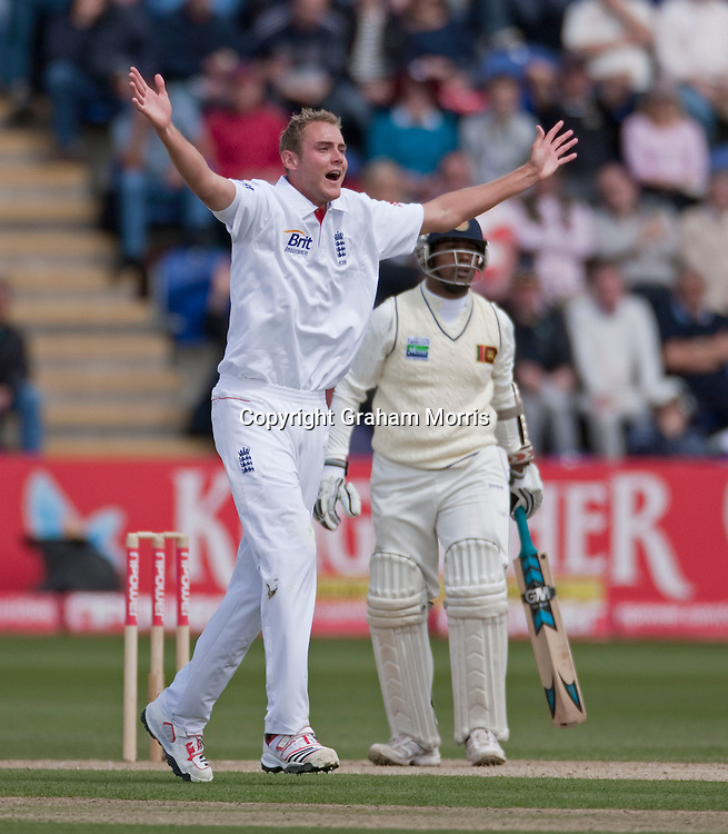 Frustrated bowler Stuart Broad as Prasanna Jayawardene is not out during the first npower Test Match between England and Sri Lanka at the SWALEC Stadium, Cardiff.  Photo: Graham Morris (Tel: +44(0)20 8969 4192 Email: sales@cricketpix.com) 27/05/11