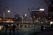 Buenos Aires, Argentina...Puerto Madero no  Rio de la Prata  em Buenos Aires...Puerto Madero in De La Plata river in Buenos Aires...Foto: JOAO MARCOS ROSA / NITRO