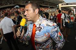 Motorsports / Formula 1: World Championship 2010, GP of Abu Dhabi, Kai Ebel (GER, RTL)
