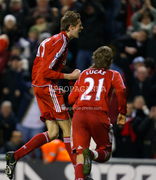 LIVERPOOL, ENGLAND - Saturday, February 2, 2008: Liverpool's Peter Crouch celebrates scoring the opening goal against Sunderland during the Premiership match at Anfield. (Photo by David Rawcliffe/Propaganda)