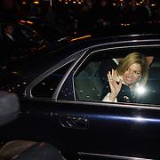 NLD/Amsterdam/20060409 -  Première Black Pinocchio, vertrek van prinses Máxima Zorreguieta en kroonprins Willem Alexander