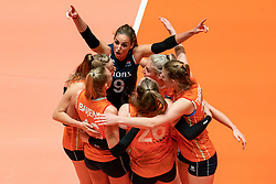 29-05-2019 NED: Volleyball Nations League Netherlands - Bulgaria, Apeldoorn<br /> Myrthe Schoot #9 of Netherlands, Marrit Jasper #18 of Netherlands, Eline Timmerman #31 of Netherlands