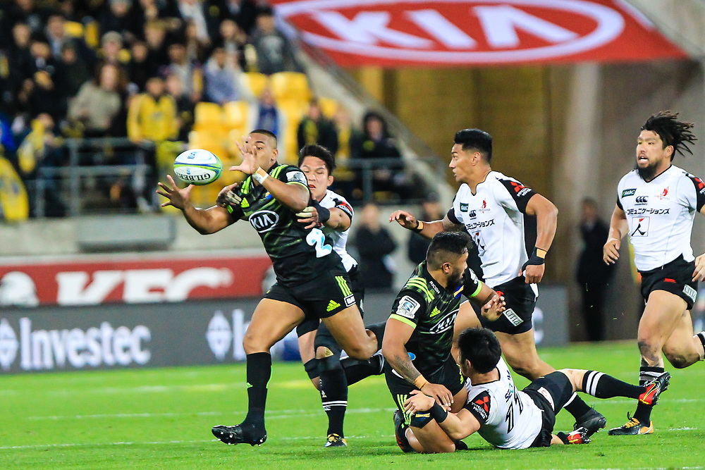 Julian Savea catches the pass during the Super Rugby union game between Hurricanes and Sunwolves, played at Westpac Stadium, Wellington, New Zealand on 27 April 2018.   Hurricanes won 43-15.