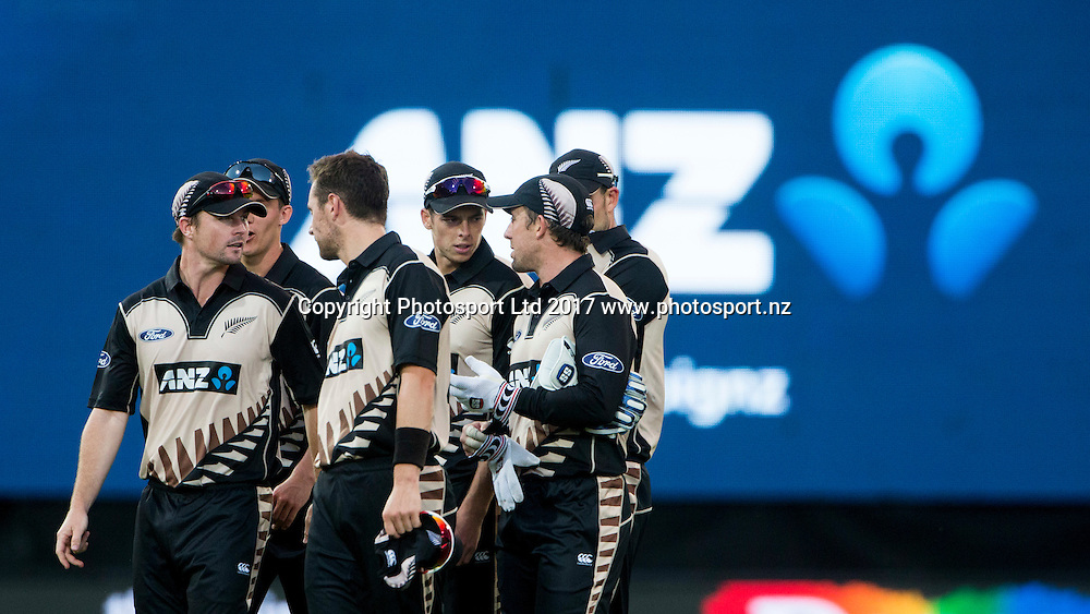 New Zealand leave the field after the innings.  New Zealand Blackcaps v Bangladesh, International Cricket, 1st T20, McLean Park, Napier, New Zealand. Tuesday, 03 January, 2017. Copyright photo: John Cowpland / www.photosport.nz