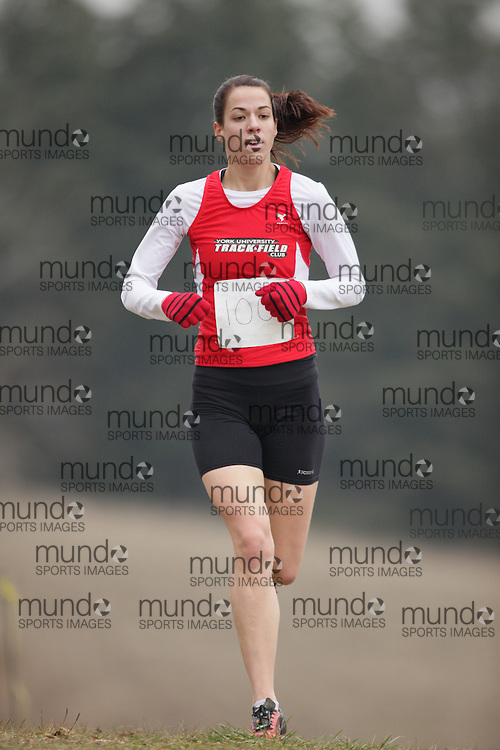 King City, Ontario ---09-11-15--- Kathryn Pistor of the York University Track Club competes at the Athletics Ontario Cross Country Championships in King City, Ontario, November 16, 2009..GEOFF ROBINS Mundo Sport Images