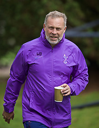 KIRKBY, ENGLAND - Saturday, August 10, 2019: Tottenham Hotspur's Under-23 manager Wayne Burnett during the Under-23 FA Premier League 2 Division 1 match between Liverpool FC and Tottenham Hotspur FC at the Academy. (Pic by David Rawcliffe/Propaganda)